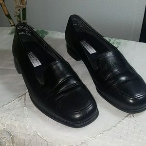 Munro American Loafers
